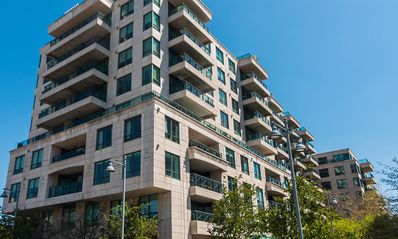 A beautiful condo building exterior between Rosedale and Summerhill.