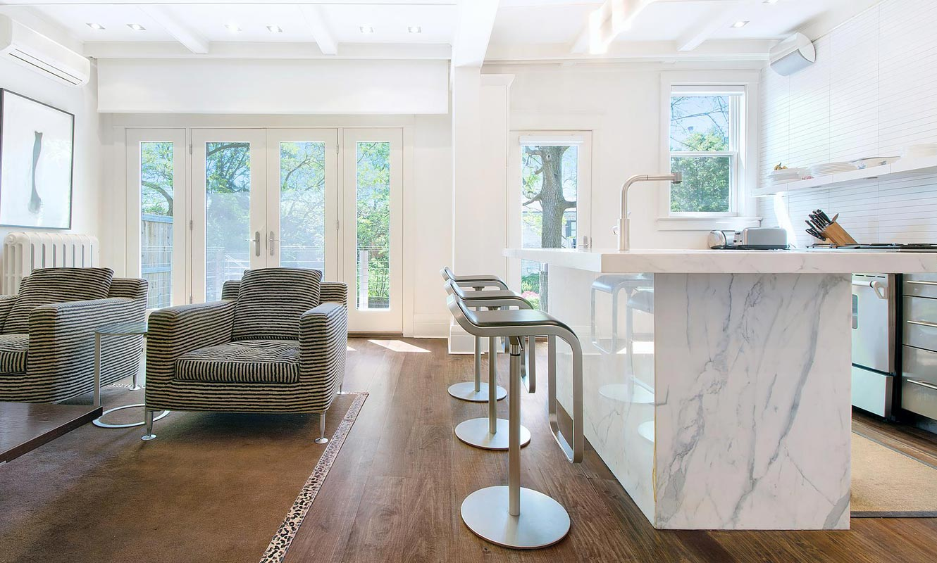 The serene interior of a detached Summerhill property. Another listing by broker Boris Kholodov.